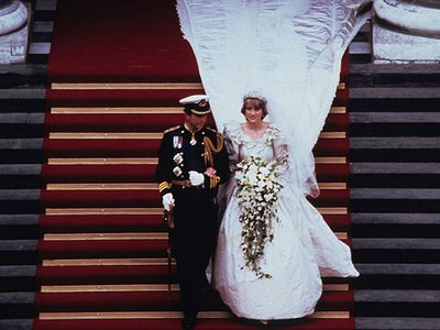 http://weddingtipster.files.wordpress.com/2009/12/shannons-1980s-princess-diana1.jpg