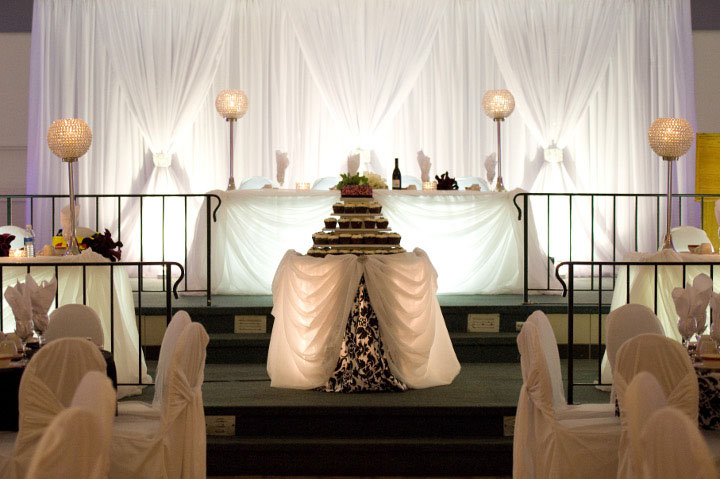 A Gala Decor Wedding Head Table