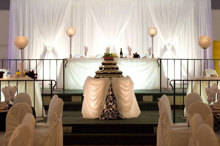 wedding decorators weddingtipster 39 s blog. Black Bedroom Furniture Sets. Home Design Ideas