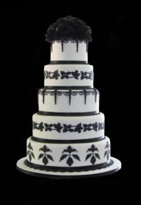 faux wedding cake from Eleganza Cakes