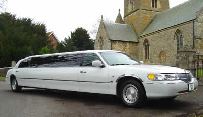A to B Limo is a valued wedding vendor in the Hamilton-Halton Wedding Show 2013
